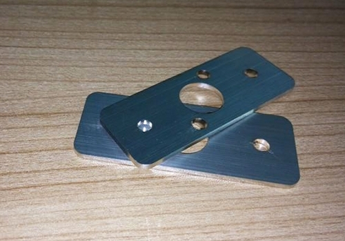 厚板激光切割加工两种穿孔的方法